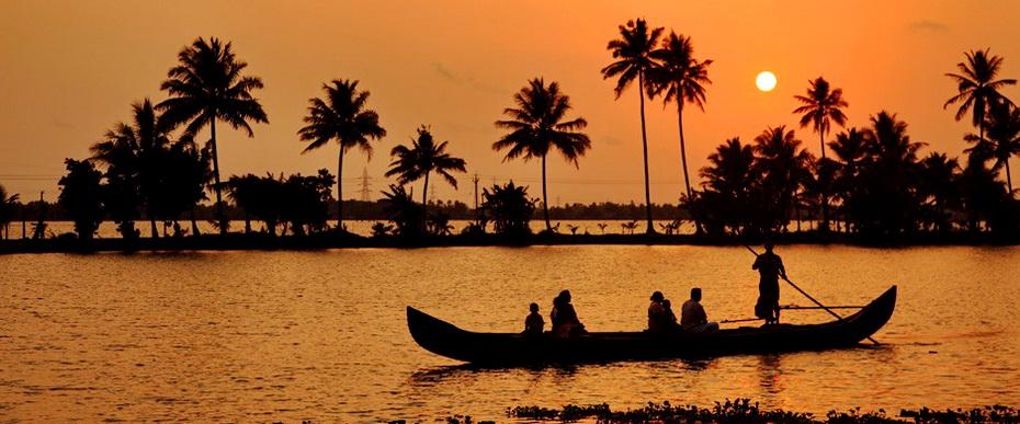 silhouette-scene-of-a-ferryboat_19_71_alleppey_938_410.jpg