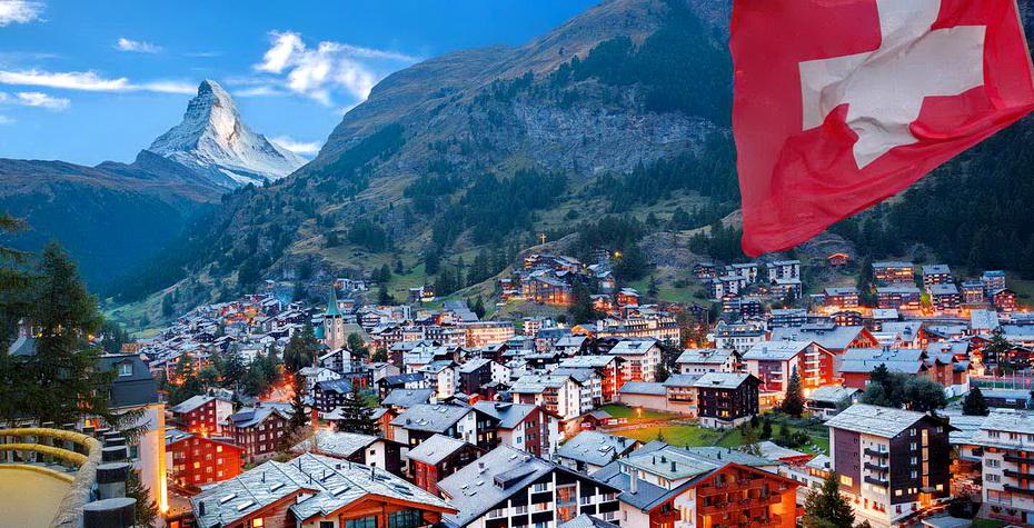 think-switzerland-country-zermatt-matterhorn-486574518-extravagantni-copy.jpg